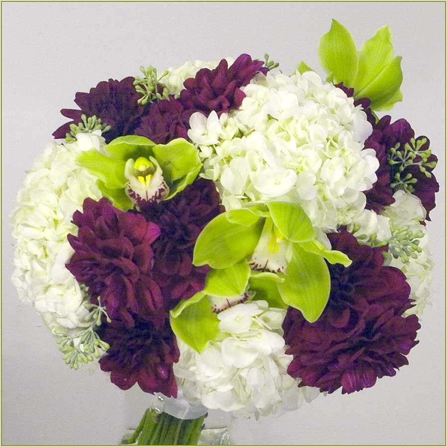 Save On Wedding Flowers: Elegant Wedding Bouquets